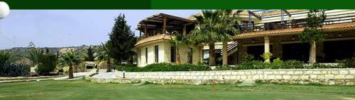 secret valley putting green holiday rent cyprus